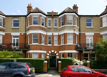 Thumbnail 3 bed flat to rent in Alwyne Road, London