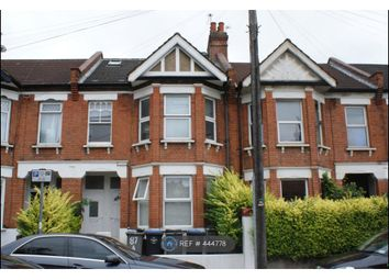 Thumbnail 5 bed flat to rent in Temple Road, London