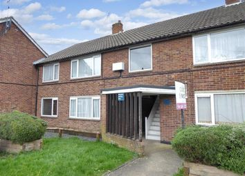 Shamrock Close, Fetcham, Surrey KT22. 2 bed maisonette