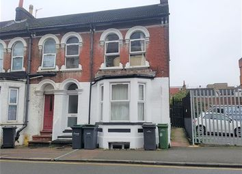 Thumbnail 2 bedroom flat to rent in Liverpool Road, Flat B, Luton