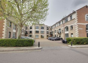 Thumbnail 2 bedroom flat for sale in Windsor Court, Apsley Borders, Hemel Hempstead