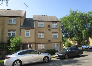 Thumbnail 2 bed flat for sale in Crossbrook, Hatfield
