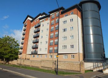 Thumbnail 2 bed flat to rent in Aspects Court, Slough, Berkshire