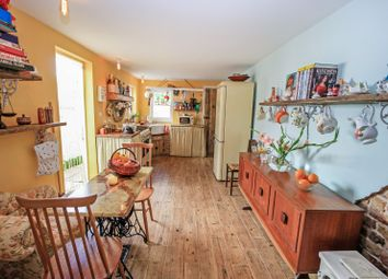 Avenue Road, Westcliff-On-Sea SS0. 1 bed flat for sale