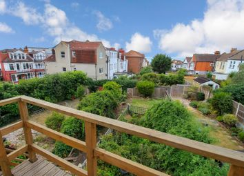 Station Road, Westcliff-On-Sea SS0. 1 bed flat
