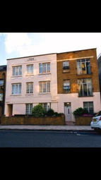 3 Bedrooms Flat to rent in White Horse Lane, London E1