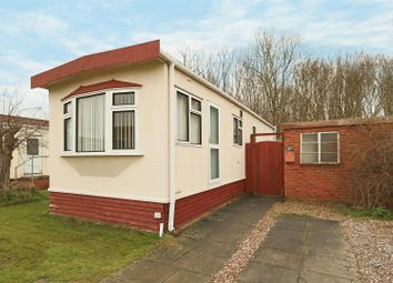 Thumbnail 2 bed mobile/park home for sale in Bassingfield Lane, Gamston, Nottingham