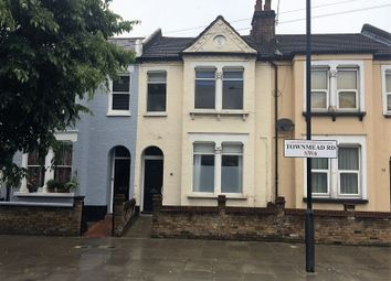 Thumbnail 3 bed flat to rent in Townmead Road, London