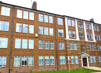 Thumbnail 3 bed flat to rent in Eagle Lodge, Golders Green Road, London
