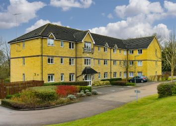 Thumbnail 2 bedroom flat to rent in Westview Close, Redhill