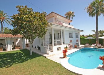 Thumbnail 5 bed villa for sale in Spain, Andalucia, Estepona, Ww958