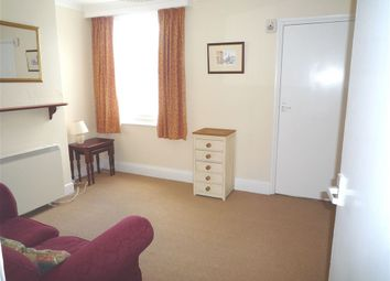 2 bed property to rent in Blenheim Gardens, Reading, Berkshire RG1