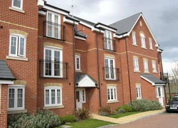 Thumbnail 2 bed flat to rent in Kennet Way, Hungerford