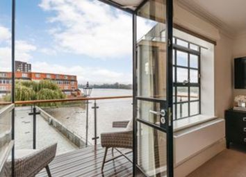 Thumbnail 3 bed flat to rent in W6