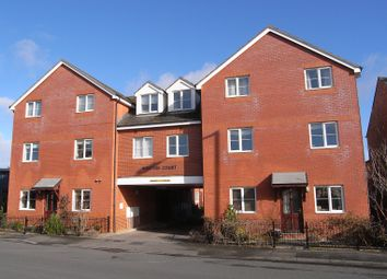 Thumbnail 1 bed flat to rent in Checketts Lane, Worcester