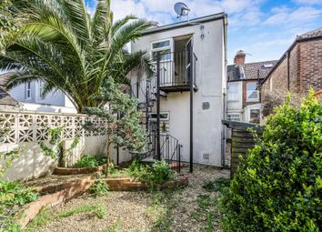 Thumbnail 2 bed flat to rent in Gains Road, Southsea