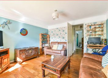 Thumbnail Flat for sale in Dukes Close, Petersfield