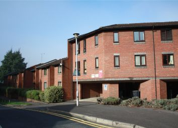 Thumbnail 2 bed flat to rent in Caxton House, Deansgate Road, Reading, Berkshire