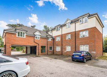 2 bed flat to rent in Warsash Road, Locks Heath, Southampton SO31