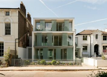 Thumbnail 2 bed flat for sale in Barnsbury Square, London