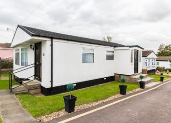 Thumbnail 3 Bed Mobile Park Home For Sale In Dunton Brentwood