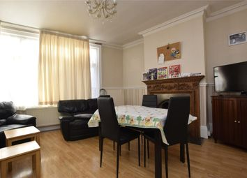 Thumbnail 3 bed flat to rent in Mitcham Lane, Streatham, London