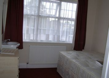 Thumbnail Room to rent in Elmwood Avenue, Harrow Middlesex
