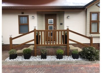 2 bed mobile/park home for sale in Waterfront, Battlesbridge, Wickford SS11