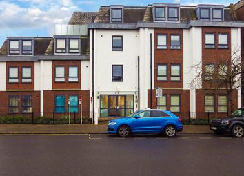 2 bed flat to rent in Buckingham Street, Aylesbury, Buckinghamshire HP20