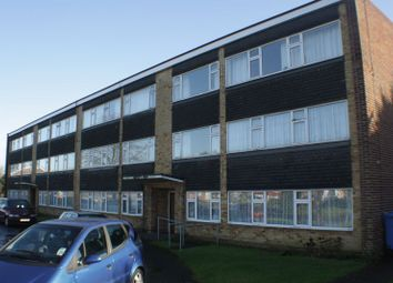 Thumbnail 2 bedroom flat to rent in Hunters Court, Woodley, Reading