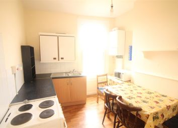 Thumbnail 2 bed flat to rent in Vale Road, London