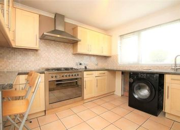 Thumbnail 3 bed detached house to rent in Kingsley Close, Reading