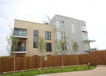 2 bed flat for sale in Champlain Street, Reading, Berkshire RG2