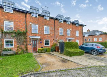 4 bed town house for sale in Permain Close, Radlett WD7