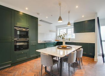 Effingham Road, London SE12. 4 bed property