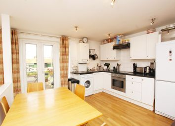 3 bed maisonette to rent in Crimsworth Road, London SW8
