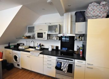 Thumbnail 2 bed terraced house to rent in Southgate Road, Islington
