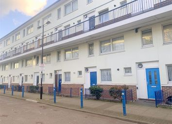 3 bed maisonette to rent in Arbinger Grove, Deptford, London SE8