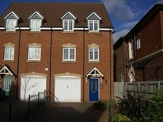 Thumbnail 3 bed semi-detached house to rent in Radbourne Street, Derby