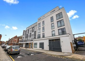 Thumbnail 1 bed flat to rent in Mowlem Street, Bethnal Green