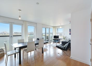 Thumbnail 3 bed flat to rent in Bugsby Road, Greenwich