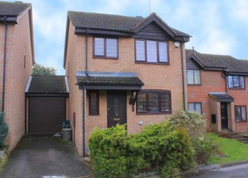 Thumbnail 3 bed detached house for sale in Crackley Meadow, Hemel Hempstead