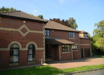 Thumbnail 5 bed detached house to rent in Kingshill Way, Berkhamsted