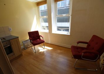 Thumbnail 1 bed flat to rent in Westgate, Shipley