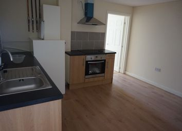2 bed flat to rent in Stuart Street, Luton LU1