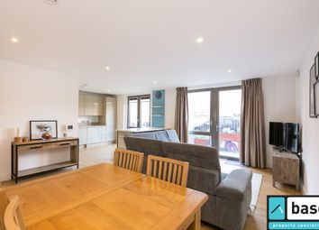 Thumbnail 3 bed flat to rent in Silwood Street, London