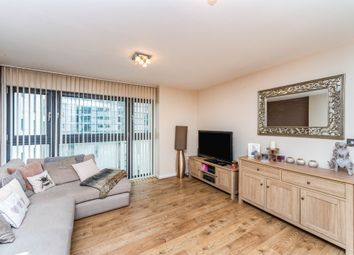 Thumbnail 2 bed flat for sale in Churchill Way, Cardiff