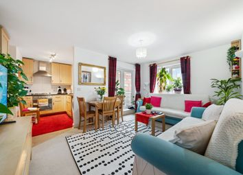 Station Road, London N22. 1 bed flat for sale
