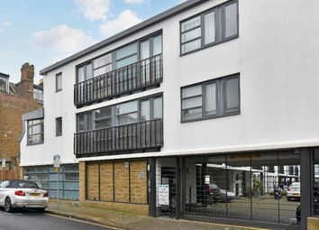 Thumbnail 3 bed flat to rent in Artisan Mews, London
