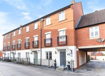 Thumbnail 4 bed town house for sale in Chapel Close, Wantage